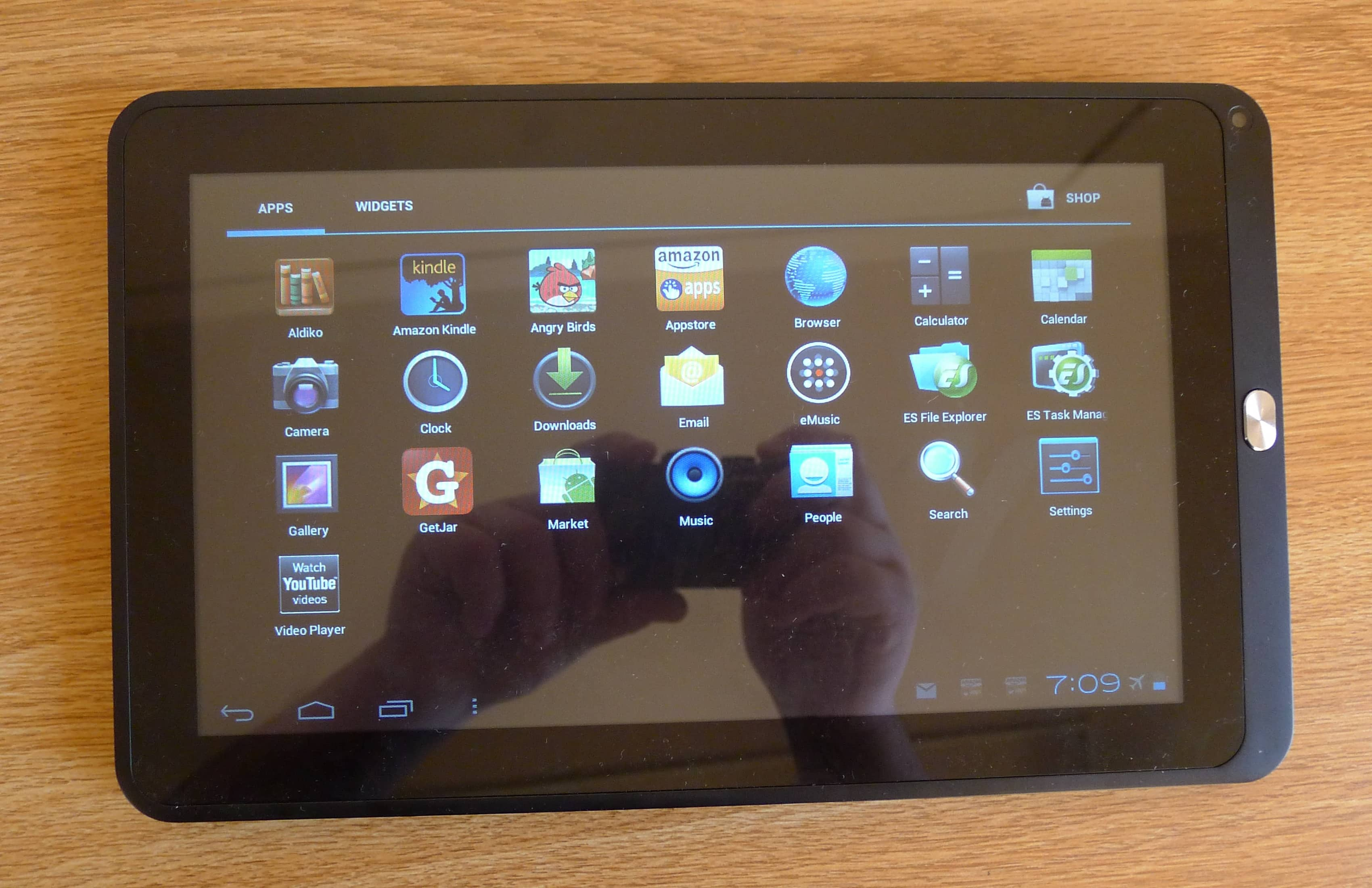 How to download apps 2 your Coby kyros MID1126-4G android tablet? How