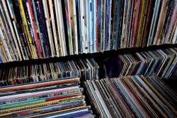HarperCollins to Release Special Vinyl Edition of Amy Poehler's Memoir in September Audiobook