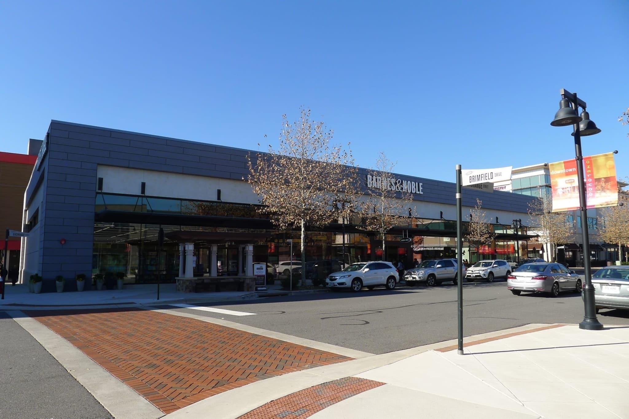 Field Trip Barnes Noble at e Loudoun