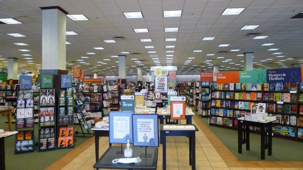 Inside the Barnes & Noble Manassas Store (Post-Covid) | The Digital Reader